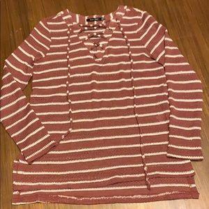 Boutique brand Doe & Rae lightweight sweater Small